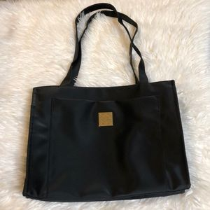 NWOT Givenchy tote🌹🌹🌹